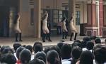 Tiết mục nhảy 'sexy' ở trường cấp ba gây tranh cãi