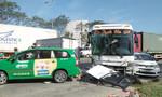 TP.HCM: Sáu ô tô tông liên hoàn, 2 người trọng thương