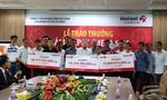 Trao 127 tỷ đồng cho ba vị khách may mắn trúng giải Jackpot - Mega