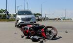 Ô tô va chạm xe máy, 2 người nguy kịch