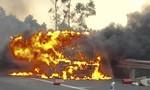 Nhiều vụ cháy ô tô xảy ra liên tiếp trên cả nước