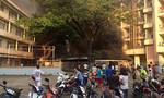 Nhà xe ký túc xá trường ĐH Y dược TP.HCM cháy rực trong chiều