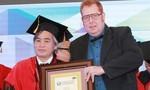 Tiến sĩ Lê Văn Tuấn – Người cả đời đi tìm giá trị nhân văn