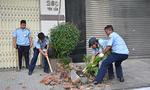 Phó Chủ tịch quận Bình Tân 'xuống đường' đòi vỉa hè cho người đi bộ
