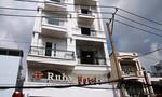 Cảnh sát cứu 4 người trong vụ cháy khách sạn ở Sài Gòn