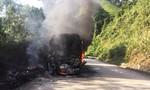 Liên tiếp cháy xe khách trên đèo Lò Xo