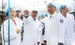 Bí thư Đinh La Thăng cùng lãnh đạo TP tham khảo mô hình nuôi bò sữa tại Đà Lạt