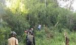 Ráo riết truy lùng kẻ giết anh trai và chị dâu rồi trốn vào rừng