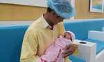 TP.HCM: Gần 30 y bác sĩ 'đỡ đẻ' cứu sản phụ thuyên tắc ối