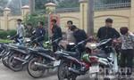 Đánh võng trên QL1A: Triệu tập 8 đối tượng, tạm giữ 6 xe máy