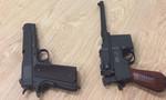 Hai khẩu súng trong kiện hành lý ở sân bay Tân Sơn Nhất