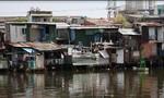Clip Cuộc sống lay lắt ở 'xóm nước đen' giữa lòng thành phố