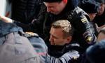 Thủ lĩnh đối lập Nga và hàng trăm người biểu tình bị bắt