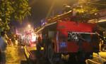 Xưởng bao bì cháy trong đêm, người dân hoảng loạn