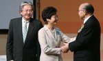Nữ đặc khu trưởng mới đắc cử có hàn gắn được Hong Kong?