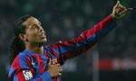 Ronaldinho, Seedorf và anh em De Boer đến Việt Nam