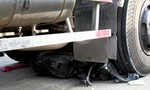 Vợ chồng tử vong dưới gầm xe tải