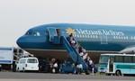 Một tuần phát hiện hai du khách Trung Quốc lục túi xách trên máy bay để trộm tài sản