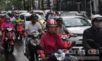Sài Gòn lại đổ mưa bất ngờ giữa trưa nắng