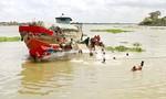 Ghe chở 90 tấn xi măng bất ngờ bị chìm trên sông Cổ Chiên