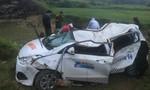 Quảng Ngãi: Taxi rơi xuống cầu, 6 người thương vong