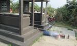 Người đàn ông nằm chết trong nghĩa địa ở TP.HCM