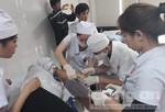 Sau bữa ăn trưa, hàng chục công nhân nhập viện cấp cứu