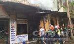 Cháy rụi tiệm điện thoại tại trung tâm Hà Nội