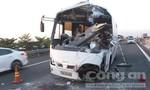 Xe khách tông xe tải trên đường cao tốc khiến 6 người thương vong
