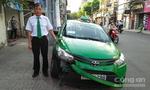 Tài xế kể lại giây phút quyết định tông xe tên cướp ở Sài Gòn