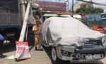 Xe tải mất thắng 'làm xiếc' trên đường Bùi Văn Hòa