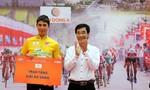 Cú đổi xe ngoạn mục giúp Alex Phounsavath tiếp tục giữ áo vàng