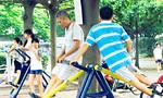 Nhịp sống hối hả khiến người Việt ăn ít rau củ, uống thiếu nước và 'lười' tập thể dục