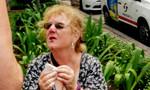 Nữ du khách vấp móc sắt té dập mặt ở trung tâm TP.HCM