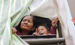 Gặp người phụ nữ có nụ cười tươi rói sống trong căn nhà 1m2 giữa lòng Sài Gòn