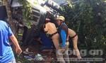 CSGT cùng người dân giải cứu 3 người mắc kẹt trong cabin xe đầu kéo