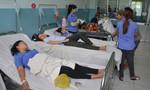 Hàng chục công nhân may ở Sài Gòn nhập viện nghi ngộ độc