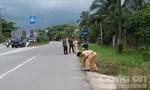 Nghi vấn xe buýt vượt ẩu làm xe máy sụp lề, 2 người bị thương