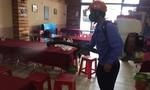 Tạm đình chỉ, phun thuốc tiêu độc quán cơm khiến 17 du khách ngộ độc ở Đà Nẵng