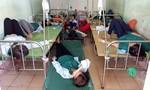 Hàng chục công nhân may nghi ngộ độc sau giờ ăn phải nhập viện