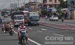 Tài xế 'méo mặt' với phân làn tại cầu vượt mới thông xe