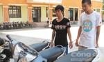 Bắt khẩn cấp hai thanh niên trộm cắp xe máy