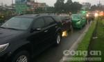 Va chạm liên hoàn trong mưa, nhiều phương tiện hư hỏng nặng