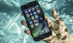 Phải làm gì khi iPhone bị rơi vào nước?
