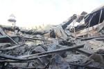 Gần 200 lính cứu hoả 'căng mình' chữa cháy công ty nhựa ở Sài Gòn