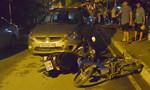 Người đàn ông ngoại quốc lái ô tô tông 3 xe máy