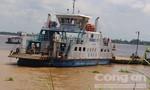 Ô tô 7 chỗ tông chết nhân viên phà rồi rớt xuống sông Vàm Nao