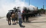 Xe tải đang lưu thông trên quốc lộ 1A bốc cháy lớn