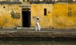 Giao lưu 'Áo dài Việt Nam và tình yêu văn học' tại phố cổ Hội An