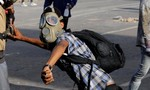 Tổng thống Venezuela tố phe đối lập huấn luyện trẻ em tham gia các cuộc bạo động